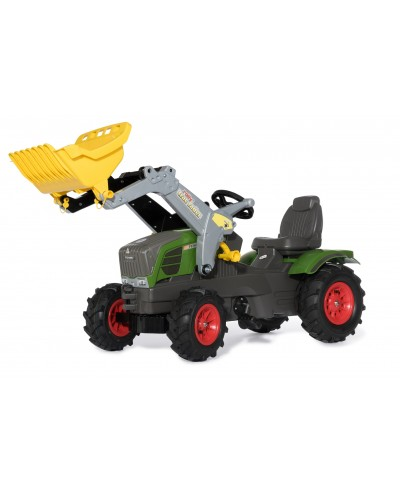 Fendt 211 Vario with Front loader and Air flat tyres